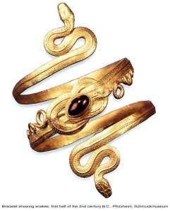 Ancient Greek gold bracelet showing snakes, first half of the 2nd century BC, Profzheim, Schmuckmuseum