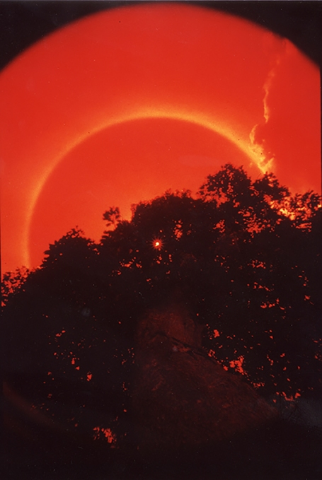 solar ring in the Côte d'Ivoire taken through a red filter